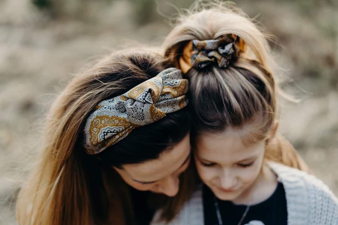 Silky bloom – jedwabne akcesoria do włosów z upcyklingu!